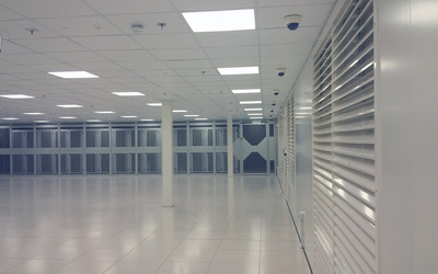 Empty-data-hall